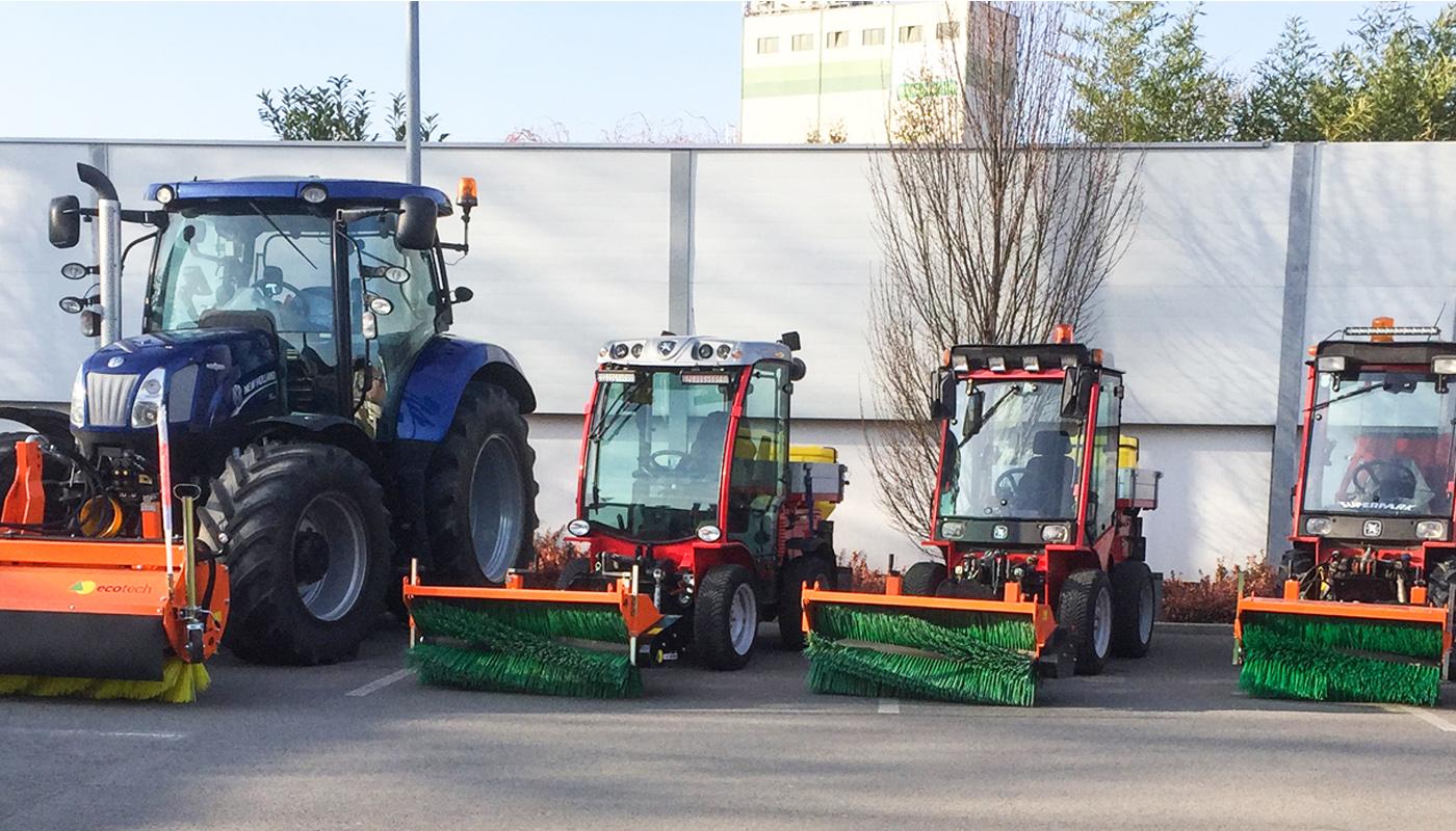 Der Fuhrpark des Unternehmens besteht aus großen und kleinen ecotech Kehrmaschinen - speziell für den Winterdienst